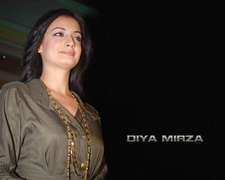 Simple Beauty Diya Mirza Wallpaper