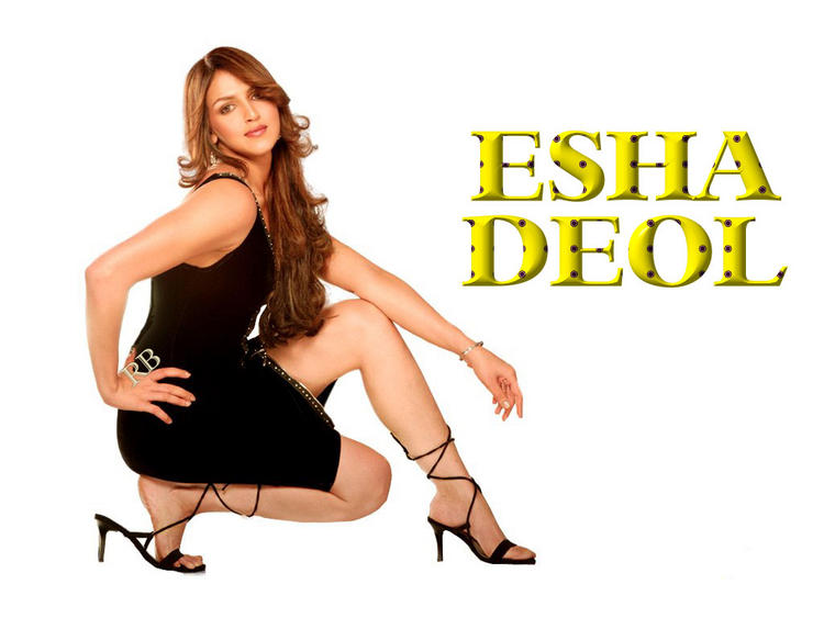 Esha Deol Spicy Looking Wallpaper