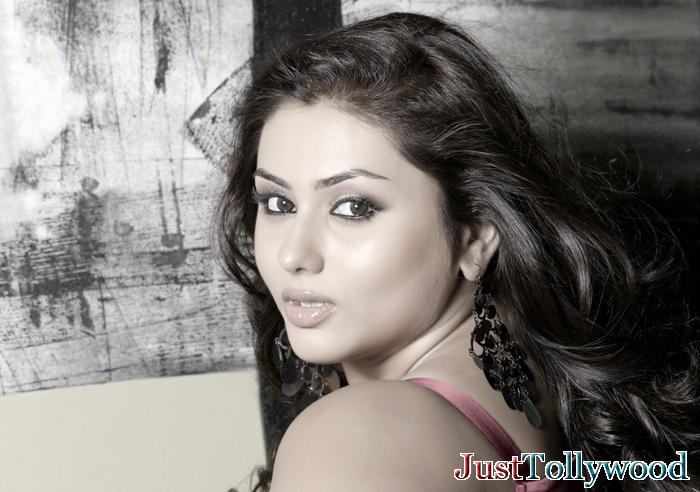 Hot High School 2 Movie Namitha Picture
