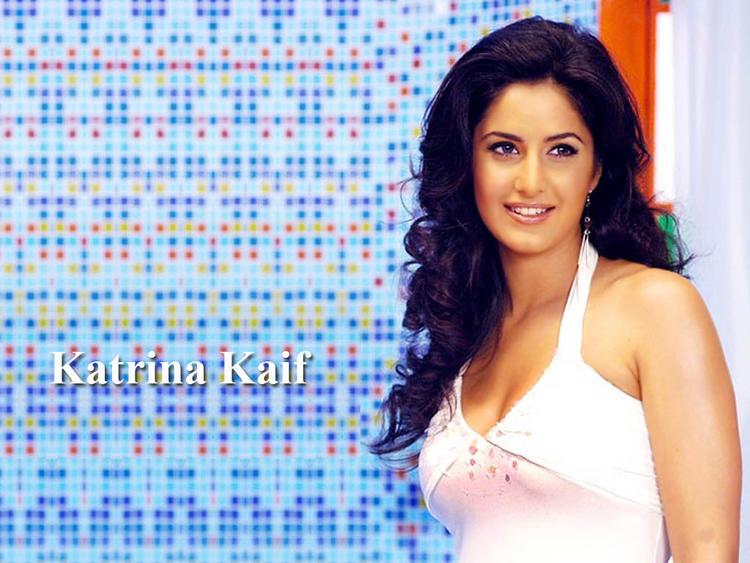 Beauty Queen Katrina Kaif Wallpaper