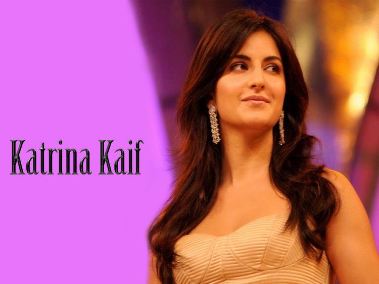 Katrina Kaif Sweet Smile Face Wallpaper