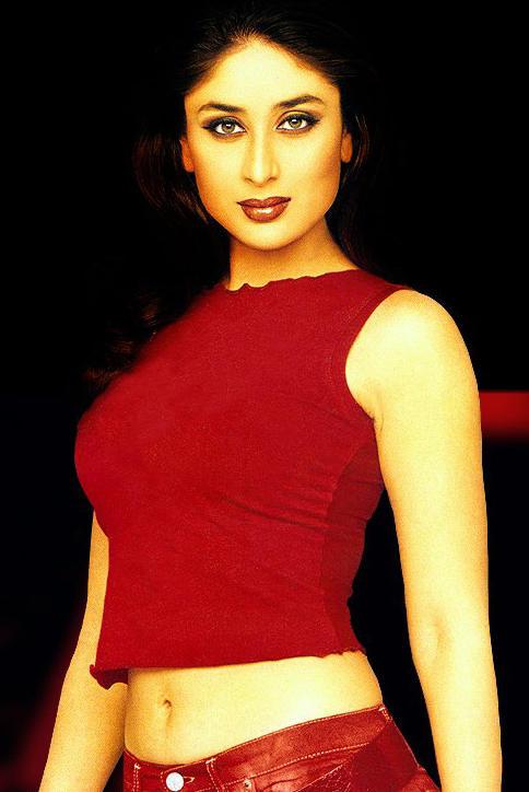 Kareena Kapoor Hot Navel Show Wallpaper