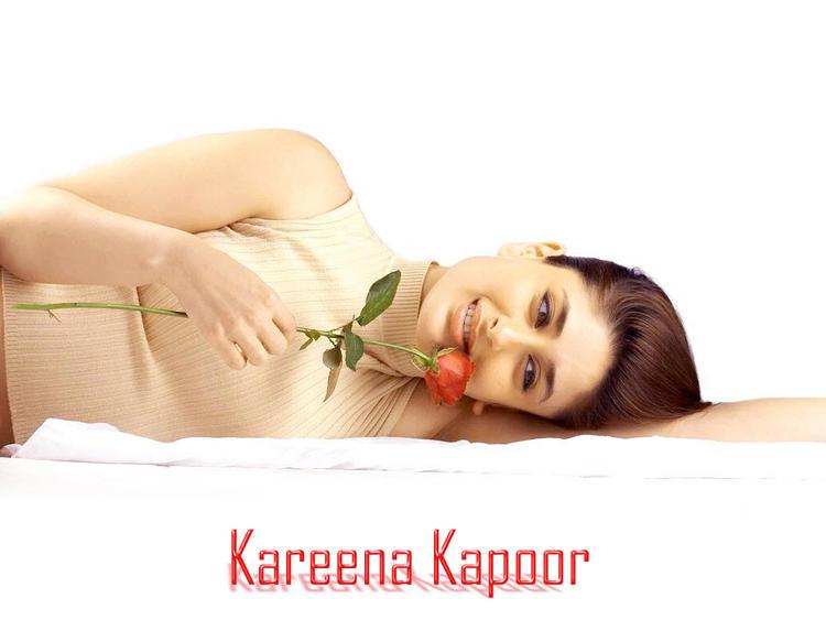 Kareena Kapoor Sizzling Wallpaper With Rose