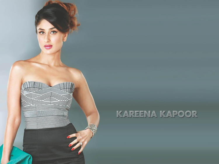 Kareena Kapoor Sleeveless Dress Open Boob Show Wallpaper