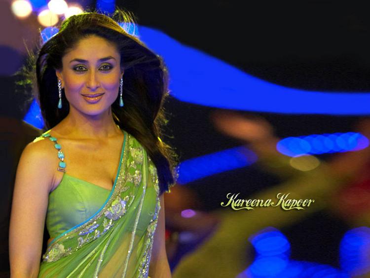 Kareena Kapoor In Transparent Saree Wallpaper