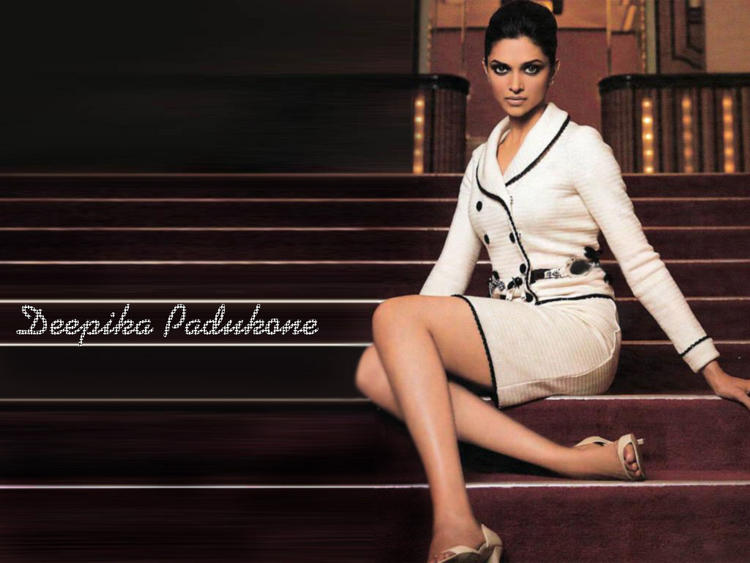 Deepika Padukone Hot Look Wallpaper