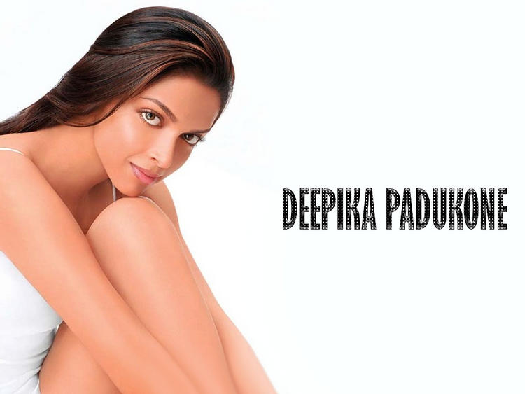 Deepika Padukone Silky Hair Romantic Look Wallpaper