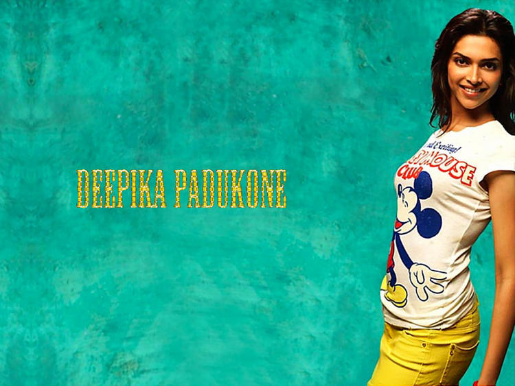 Deepika Padukone Sweet Gorgeous Wallpaper
