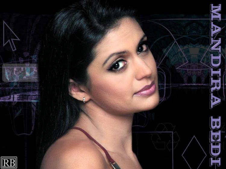 Mandira Bedi Romantic Look Wallpaper
