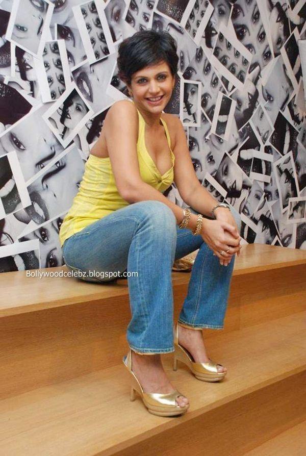 Mandira Bedi Sweet Photo Shoot