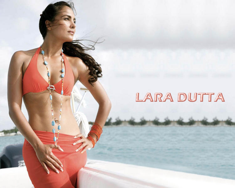 Lara Dutta Bikini Hot Wallpaper