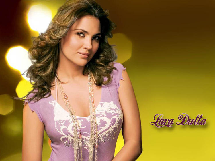 Lara Dutta Romantic Look Wallpaper