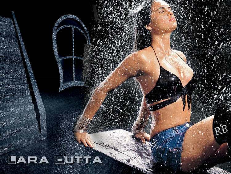 Lara Dutta Wet Swimsuit Wallpaper