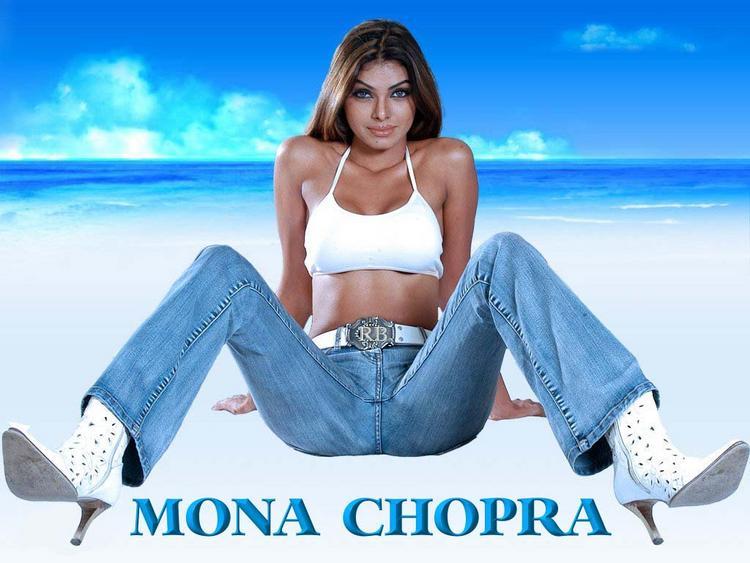 Mona Chopra Latest Glamour Wallpaper