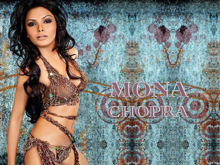 Mona Chopra Sexiest Pose Wallpaper
