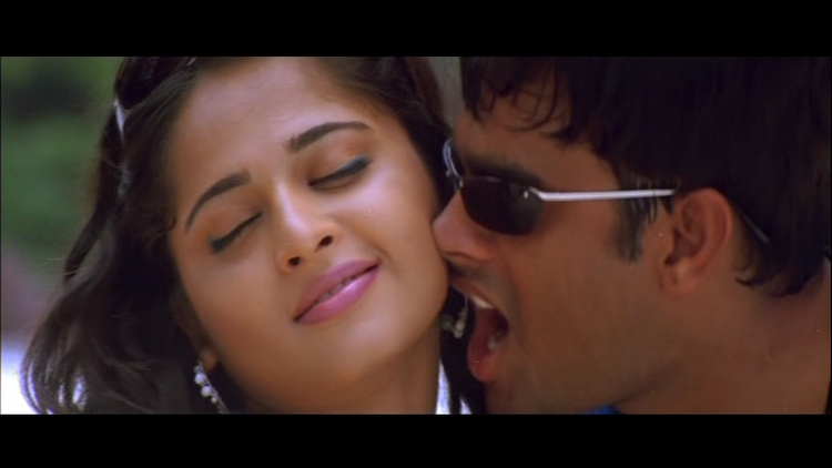 Anushka and Madhavan Mobila Mobila Song Still
