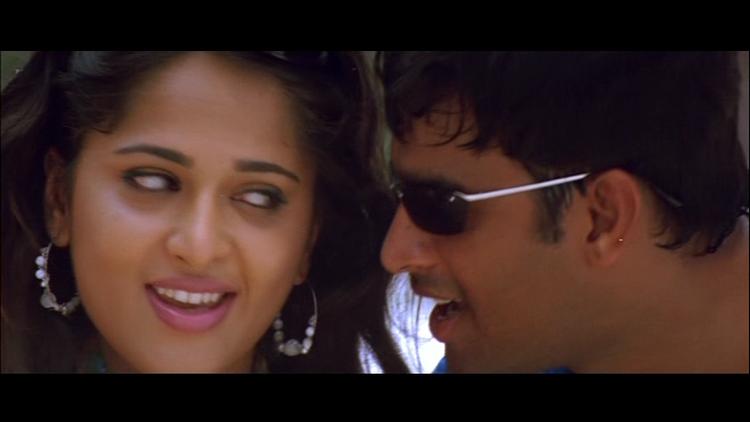 Anushka and Madhavan In Romantic Mode