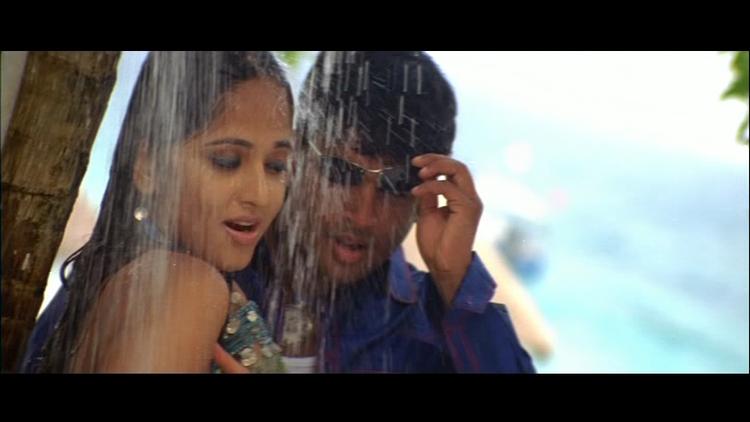 Anushka Shetty and Madhavan Wet Swim Still