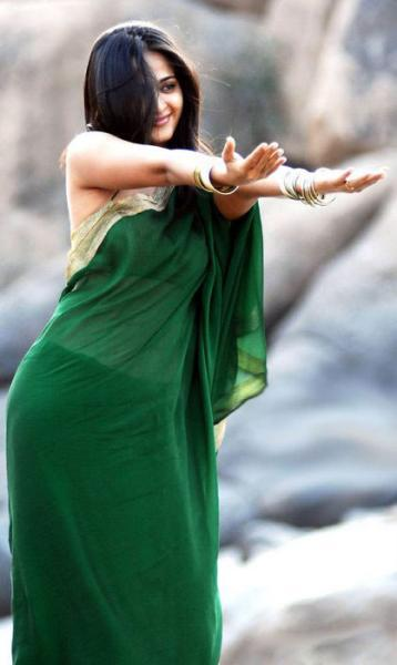 Anushka Shetty Green Saree Cute Still