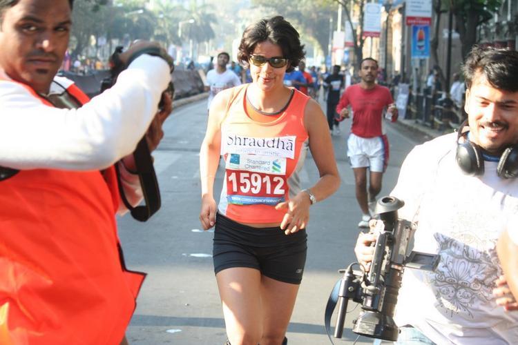Gul Panag Mumbai Marathon 2011 Still