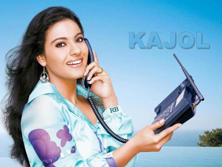 Lovely Kajol Devgan Stunning Wallpaper