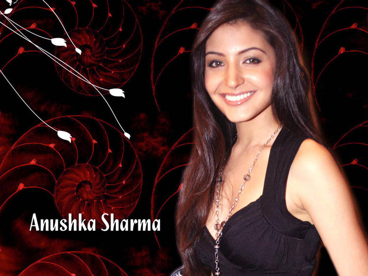 Anushka Sharma Gorgeous Smile Wallpaper