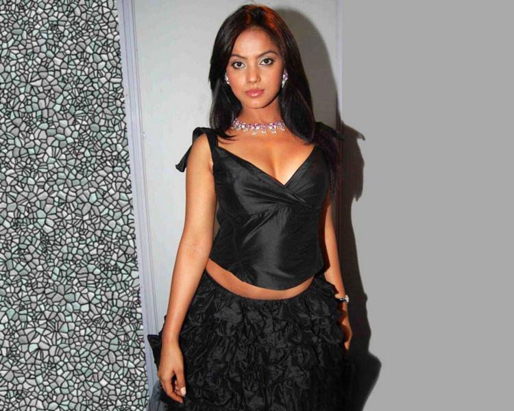 Neetu Chandra Looking Very Beautiful