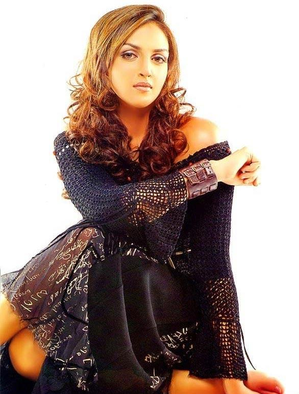 Esha Deol Curly Hair Hot Pose Photo Shoot
