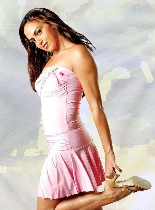 Esha Deol Pink Sleeveless Dress Sexy Photo