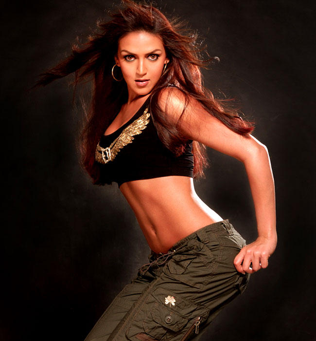 Esha Deol Spicy Navel Hot photo Shoot