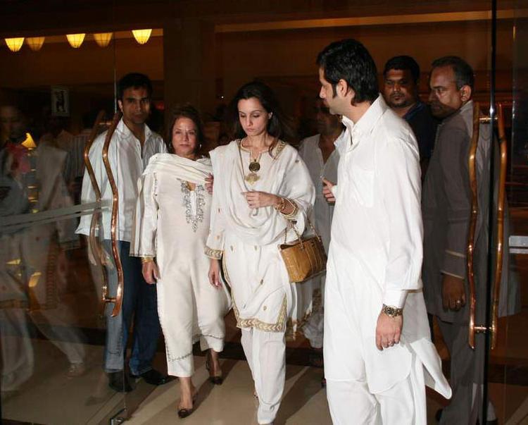 Fardeen Khan and Suzanne at Feroz Khan's Condolence Meet