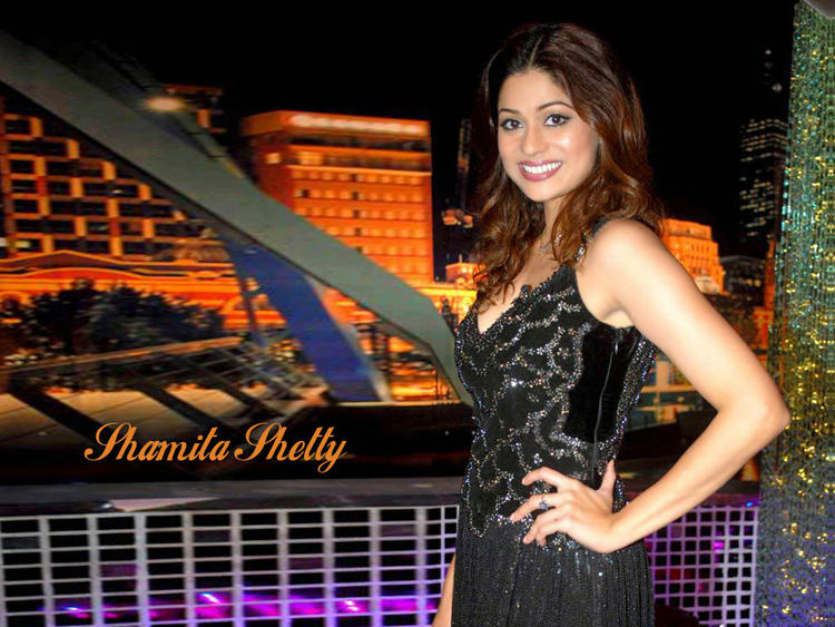 Gorgeous Beauty Shamita Shetty Wallpaper