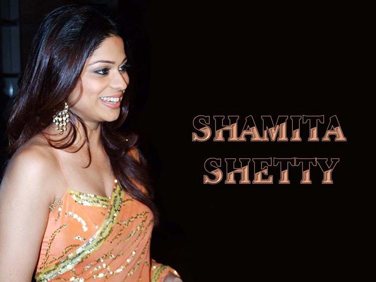 Shamita Shetty Gorgeous Saree Wallpaper