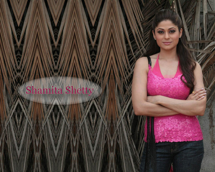 Shamita Shetty Looks Sexy With Pink Tops and Black Jeans