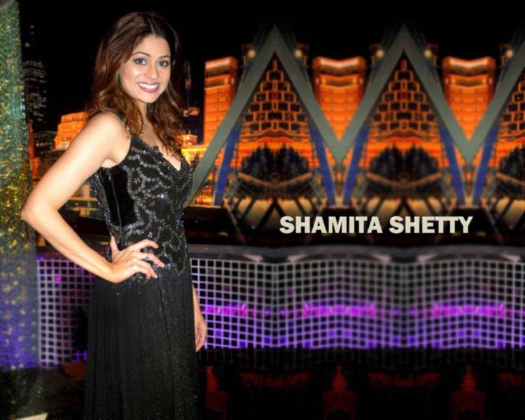 Spicy Bollywood Babe Shamita Shetty Wallpaper