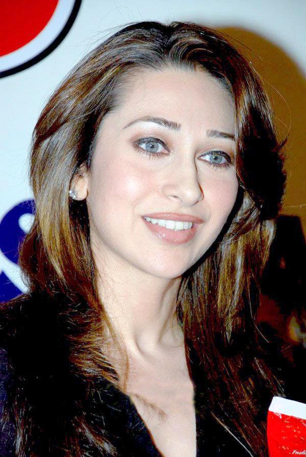 Karishma Kapoor Glamour Still