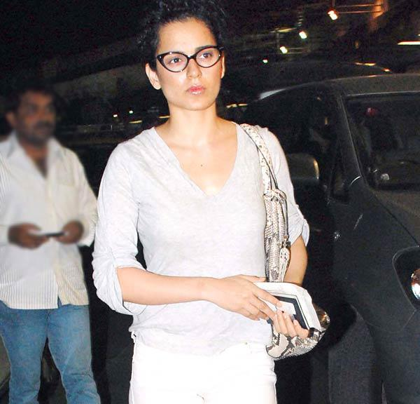 Bolly Beauty Kangana Ranaut Spotted at the Airport