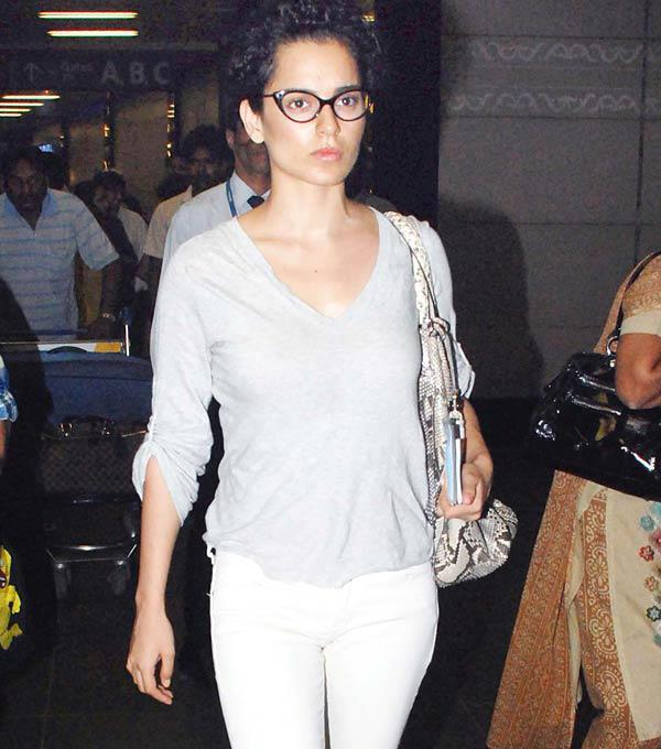Bollywood Actress Kangana Ranaut Spotted at the Airport