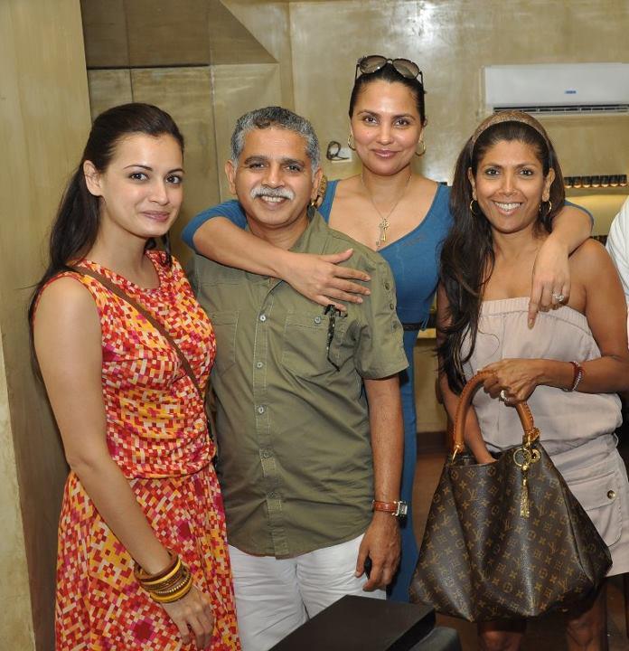 Dia Mirza and Lara Dutta Spotted at Indigo Deli in Bandra