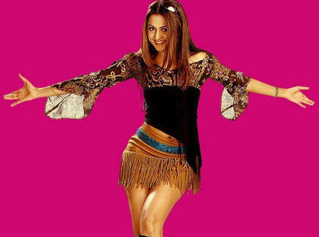 Amrita Arora Dancing Poses Wallpaper