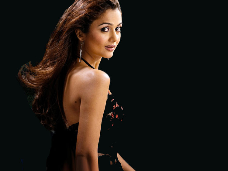 Amrita Arora Hot Looking Wallpaper