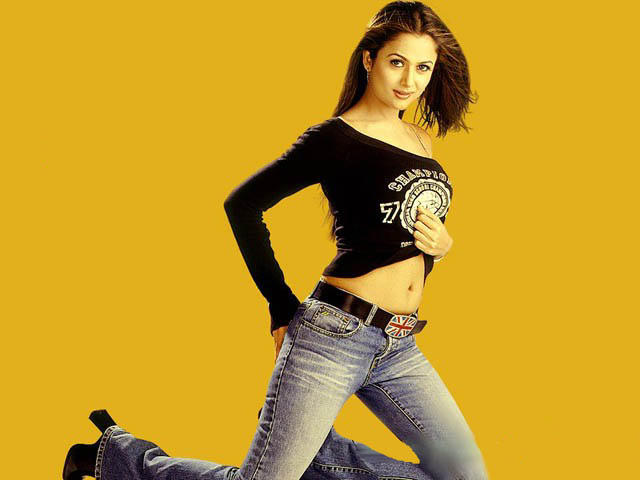 Amrita Arora Navel Show Wallpaper