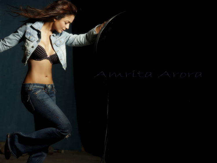 Amrita Arora Open Dress Wallpaper