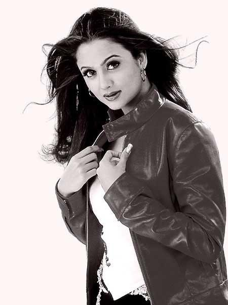 Amrita Arora Sexiest Look Wallpaper