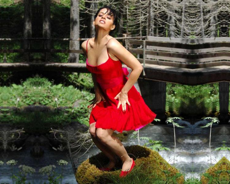 Kangana Ranaut Sexiest Red Dress Wallpaper
