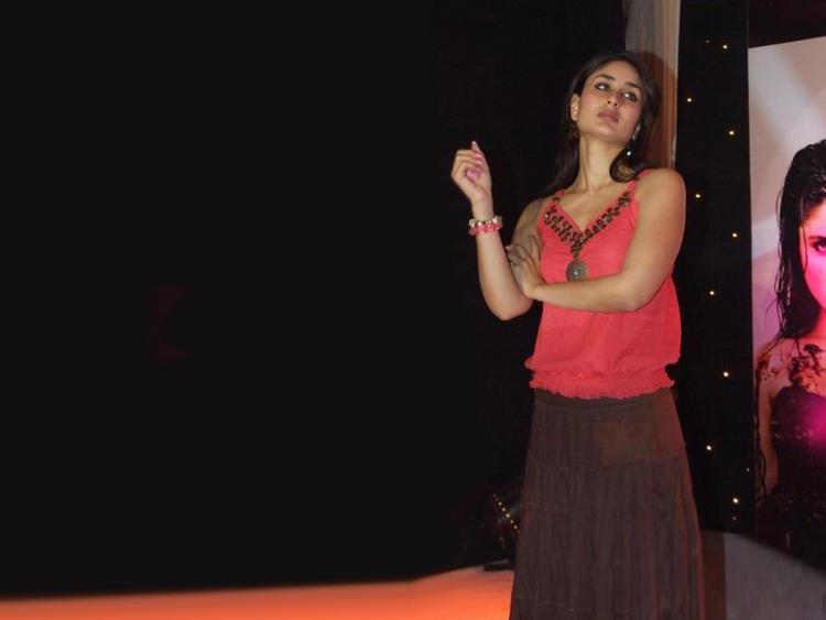Hot Actress Kareena Kapoor Long Skirt Still