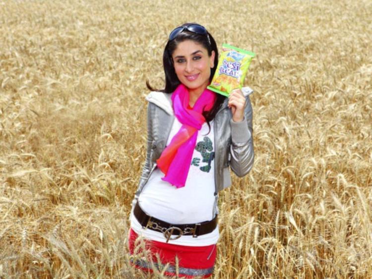 Kareena Kapoor Cute Hot Photo