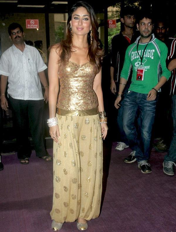Kareena Kapoor Glamour Look In This Dress