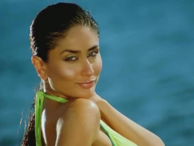 Kareena Kapoor Wet Face Still
