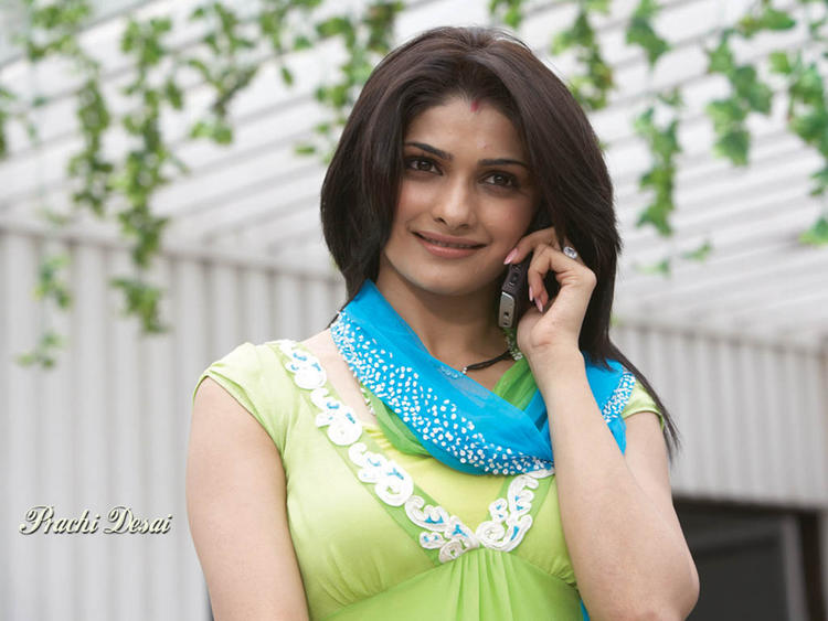 Prachi Desai Beauty Face Wallpaper